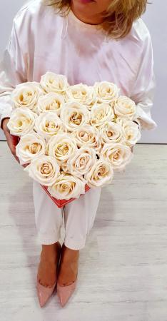 Inima 25 trandafiri albi - Florarie Iasi [2]