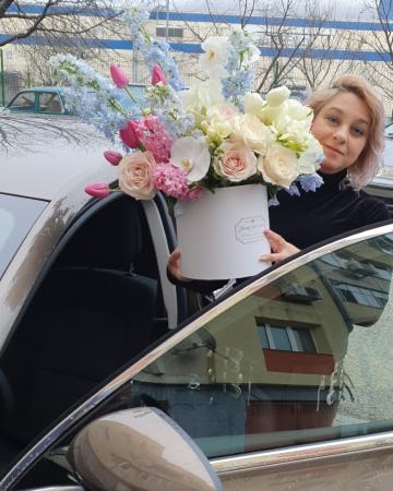 Cutie flori pastel 1 8 Martie8