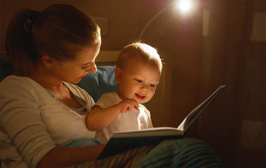 Stimularea și dezvoltarea limbajului la copiii mici: 10 cărți utile