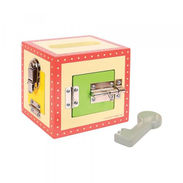 Cutiuta din lemn cu incuietori 1