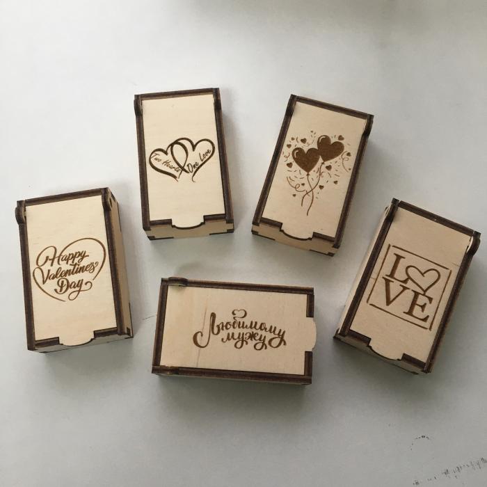 Cutie din lemn pentru stick usb - dimensiune 8x5x3 cm [0]