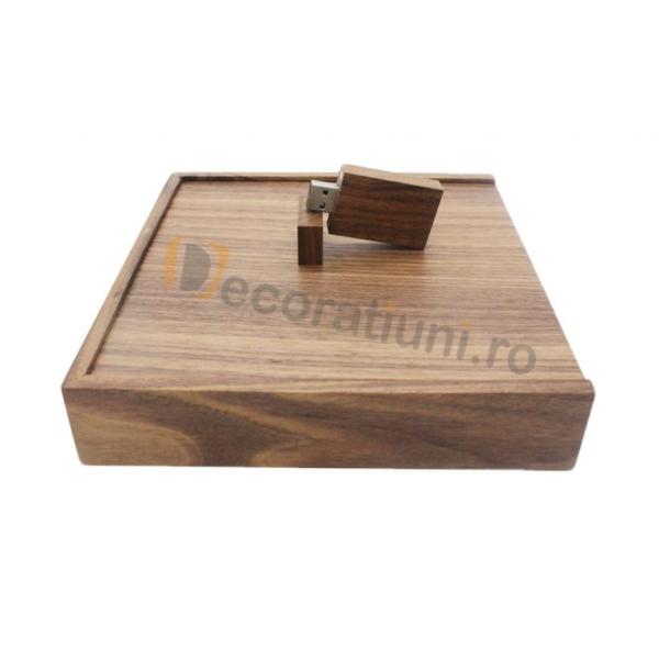 Cutie din lemn pentru fotografii cu stick usb - lemn nuc 1