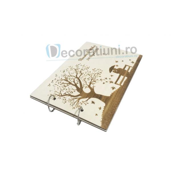 Guestbook din lemn personalizat, guestbook nunta - model copac si cuplu pe banca 3