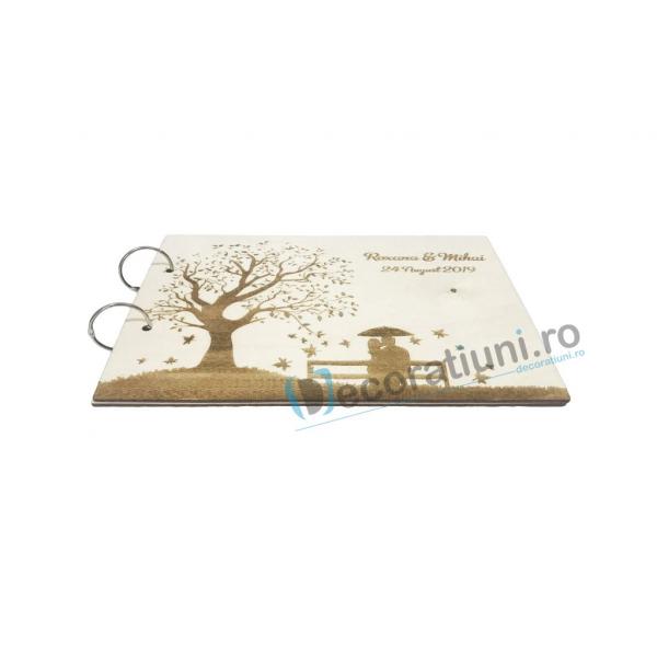 Guestbook din lemn personalizat, guestbook nunta - model copac si cuplu pe banca 1