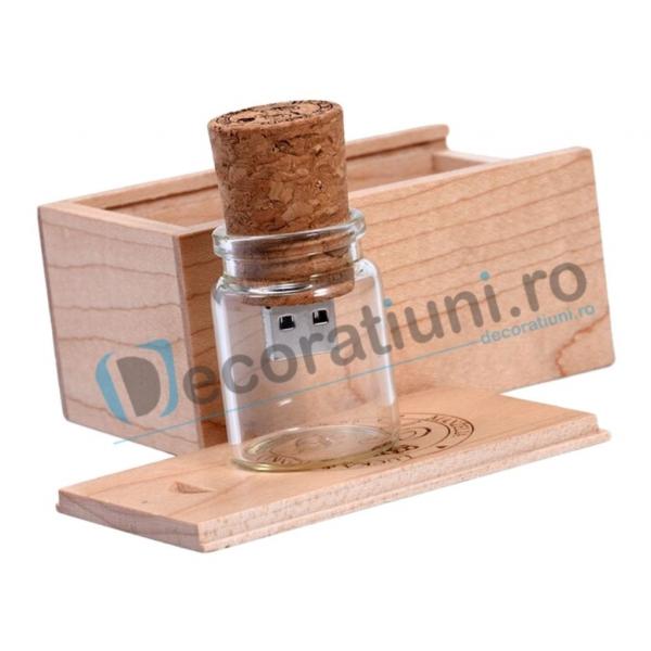 Memory stick borcanas si cutie din lemn 0