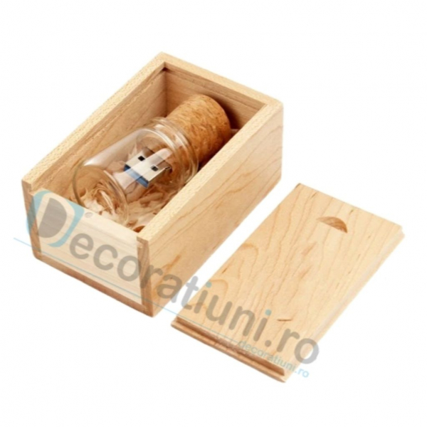 Memory stick borcanas si cutie din lemn 2