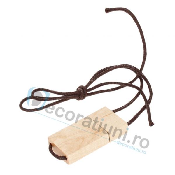 Stick usb cu snur si cutie personalizata - lemn artar 1