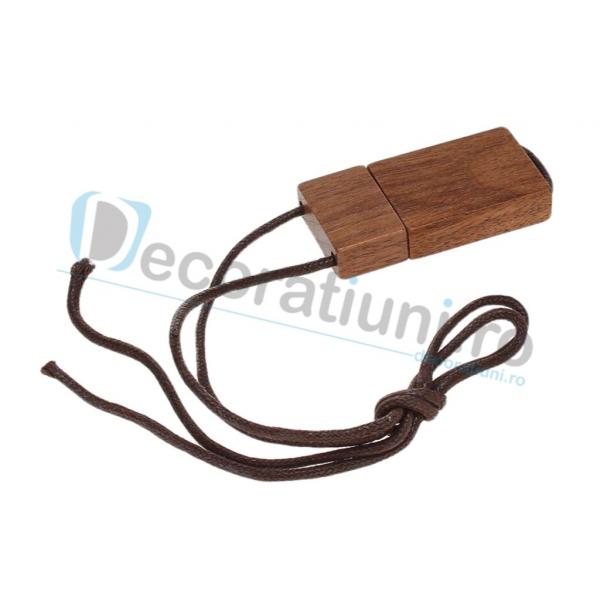 Stick usb cu snur si cutie personalizata - lemn nuc 1
