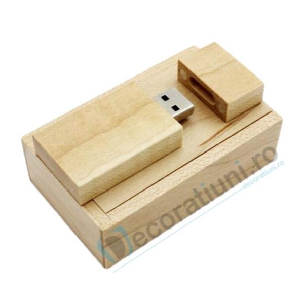 Stick usb personalizat blanko si cutie - lemn artar 0