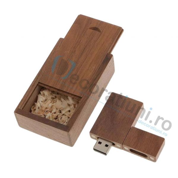 Stick usb personalizat blanko si cutie - lemn nuc 1