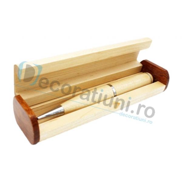Stick usb pix din lemn si cutie personalizata 3