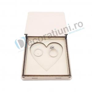 Cutie din lemn pentru verighete - model Inima3