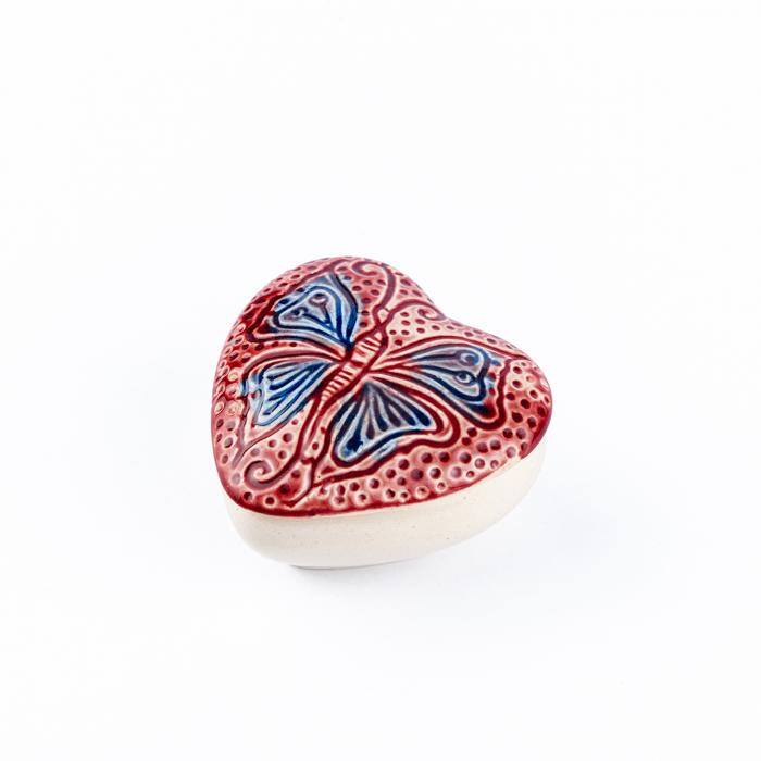 Cutiuță bijuterii din ceramică, inimă roșie, detaliu fluture [3]