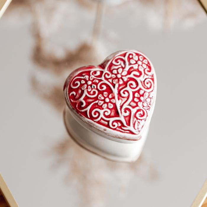 Cutiuță bijuterii din ceramică, inimă roșie, detalii florale [0]