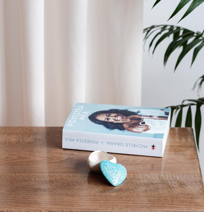 Cutiuță bijuterii din ceramică, inimă albastră, detaliu pasăre [1]