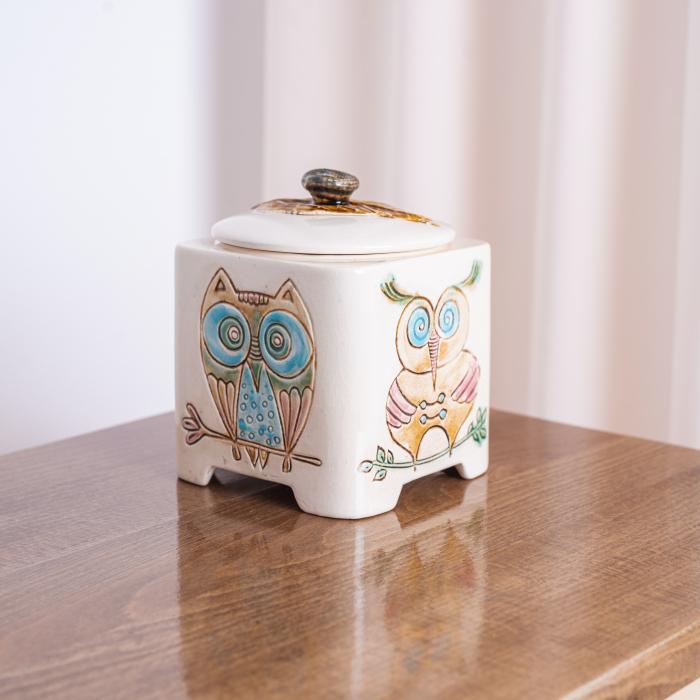 Recipient decorativ din ceramică [1]