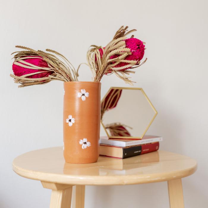 Vază lut pictată manual, motive florale [0]