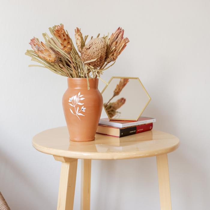 Vază lut pictată manual, ilustrație florală [0]