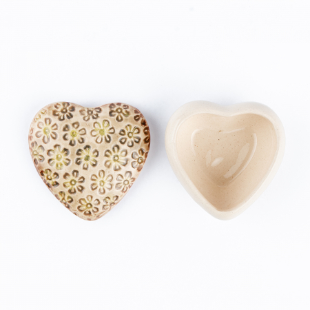 Cutiuță bijuterii din ceramică, inimă crem, detalii florale [3]