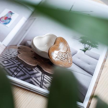 Cutiuță bijuterii din ceramică, inimă maro, detaliu pasăre [2]