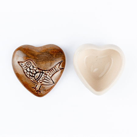 Cutiuță bijuterii din ceramică, inimă maro, detaliu pasăre [4]