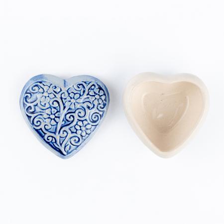 Cutiuță bijuterii din ceramică, inimă albastră, detalii florale [3]