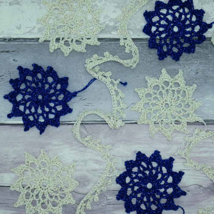 Set creatie accesorii crosetate, Fulgi de nea ghirlanda [1]