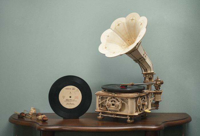 Puzzle 3D, cutiuta muzicala, Gramofon clasic cu manivela [2]