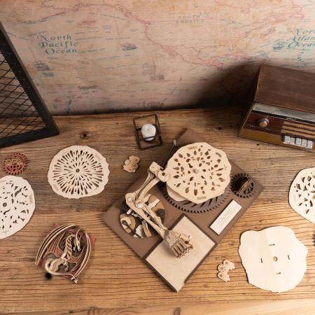 Puzzle 3D Mecanic Drawmaton, The Gambler, Lemn, 122 piese2