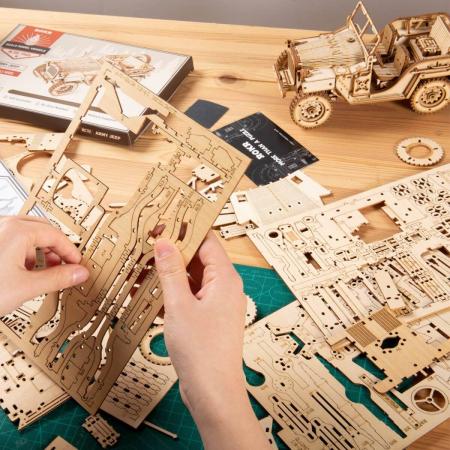 Puzzle 3D Jeep, Lemn, 369 piese [1]
