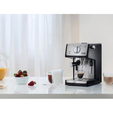 Espressor cu pompa De'Longhi ECP 35.31, 1100 W, 15 bar, 1.1 l, Negru, Suport filtru profesional, Cappuccino system reglabil - functie apa calda [0]