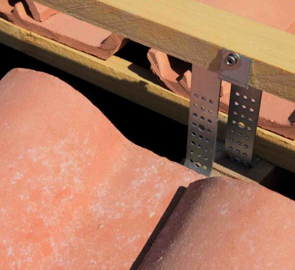 Element universal fixare sipca coama [3]