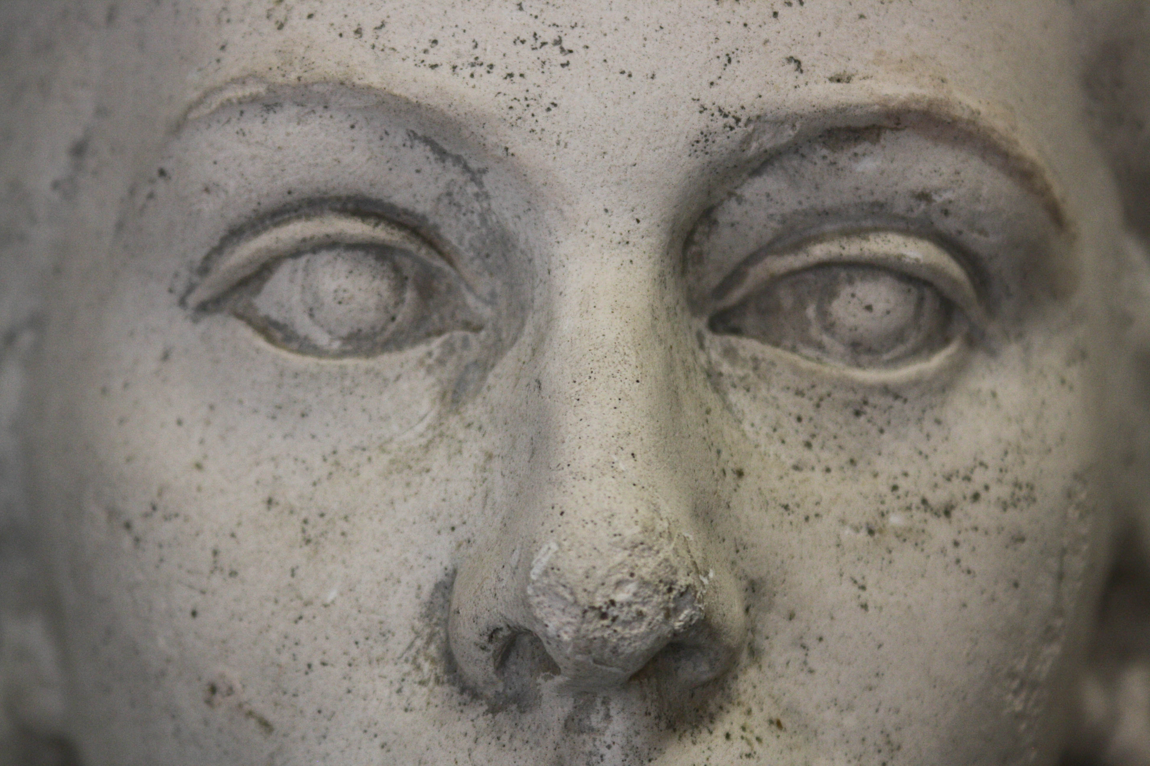 Kara MIHÁLY, Portret neoclasicizant