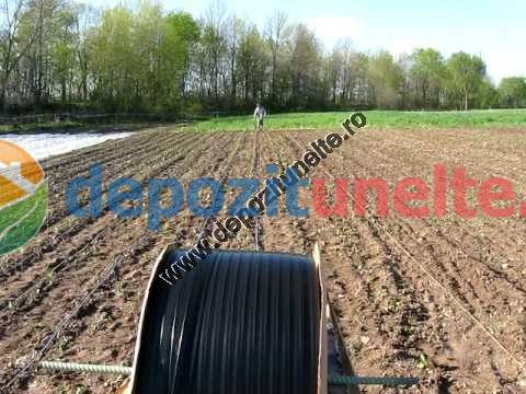 Banda picurare profesionala 1000m/rola, 3 litri/h, distanta orificii de picurare 20cm 4