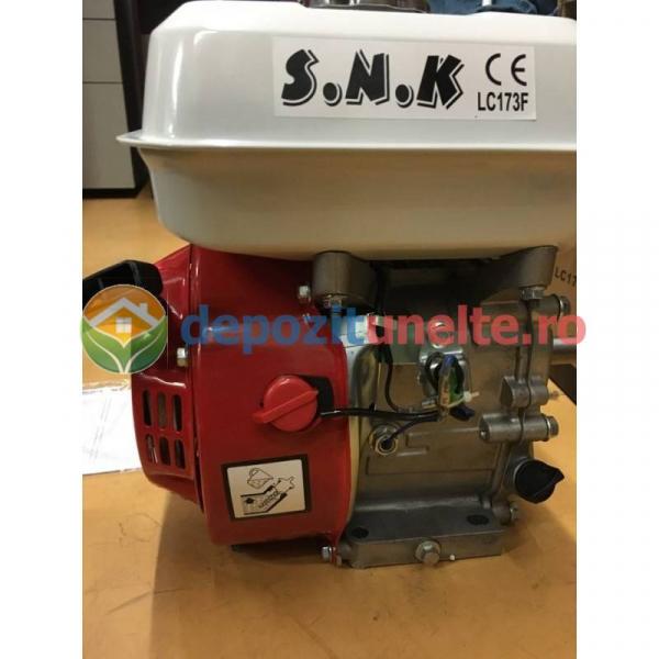 Motor in 4 timpi alimentat cu benzina 6,5 CP 3600 rot/min 1