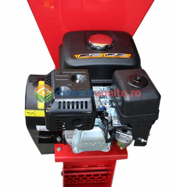 Tocator de crengi si tulpini pe benzina Micul Fermier 6,5CP 7