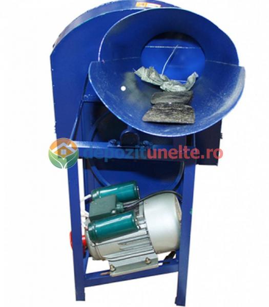 Tocator de resturi vegetale (fan, lucerna, coceni) Micul Fermier (siscornita) 1