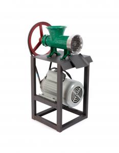 Masina de tocat carne din aluminiu Campion Nr. 32 1500W cu palnie CMP-02780