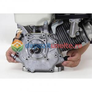 Motor in 4 timpi alimentat cu benzina 6,5 CP 3600 rot/min5