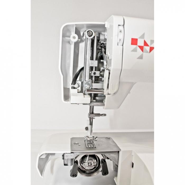 Masina de cusut Minerva Max10M, 10 programe, 800 imp/min, Alb/Rosu 1