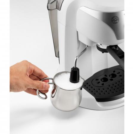 Espressor cu pompa DeLonghi EC221.White, Dispozitiv spumare, Sistem cappuccino, 15 Bar, 1 l, Oprire automata [2]