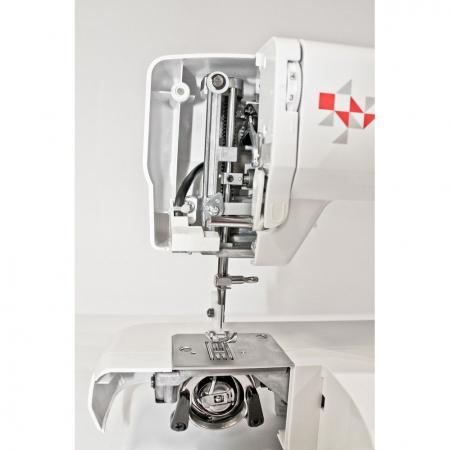 Masina de cusut Minerva Max10M, 10 programe, 800 imp/min, Alb/Rosu1