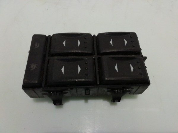 Butoane geamuri electrice Ford Mondeo 2.0 1S7T14A132BD 2000-2007 0