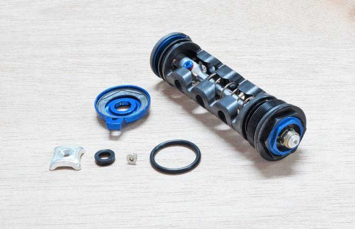 Compression Damper, Crown Adjust, Black, Motion Control Rct3 Dna (Includes Comp Damper And Knobs) - 2009-2012 Sid (80/100Mm Chassis Only) 1