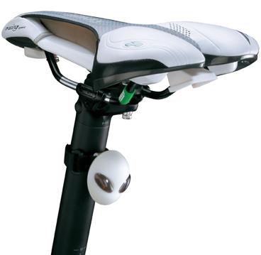 Far Sclipitor Topeak Alien Lux Alb 2 Led Albe, rezistent apa, curea Velcro inclusa, alb [3]