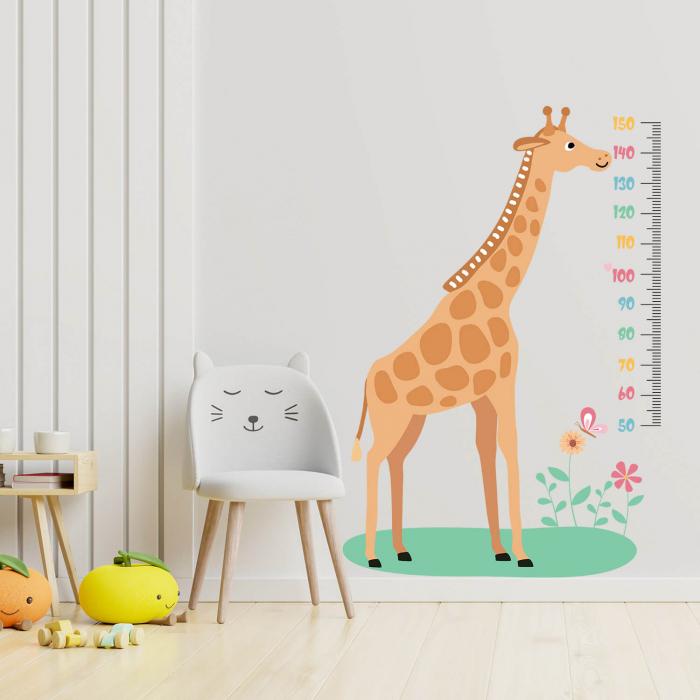 Sticker de perete personalizat - Metru cu girafa 0