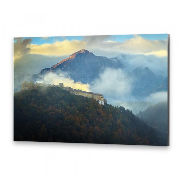 Tablou simplu - Cetatea Râșnovului sub nori 0
