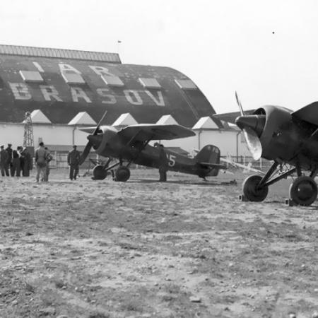 Carte - IAR Brașov. Industria Aeronautică Română 1925-19486