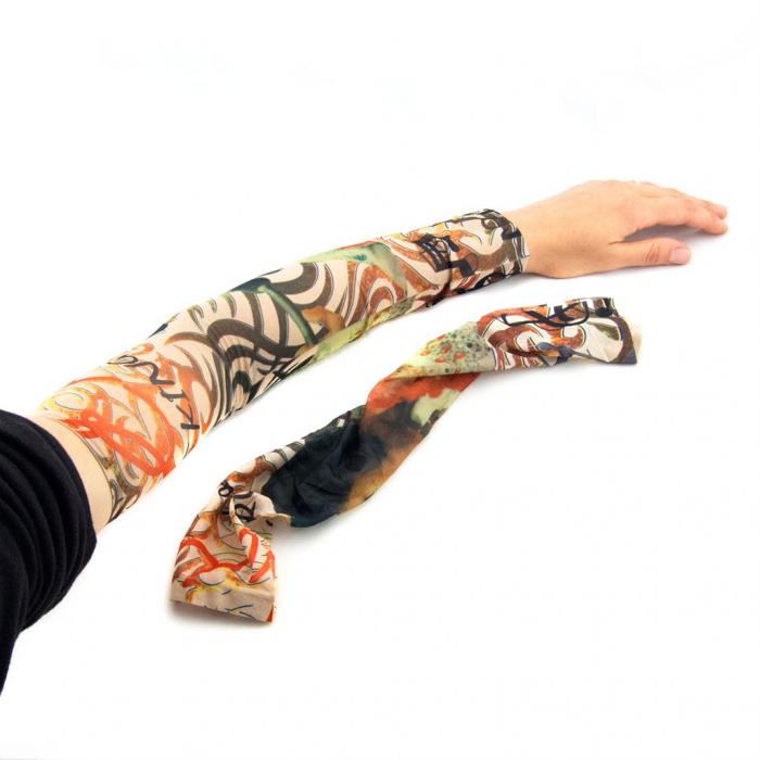 Manusi lungi cu tatuaj 0