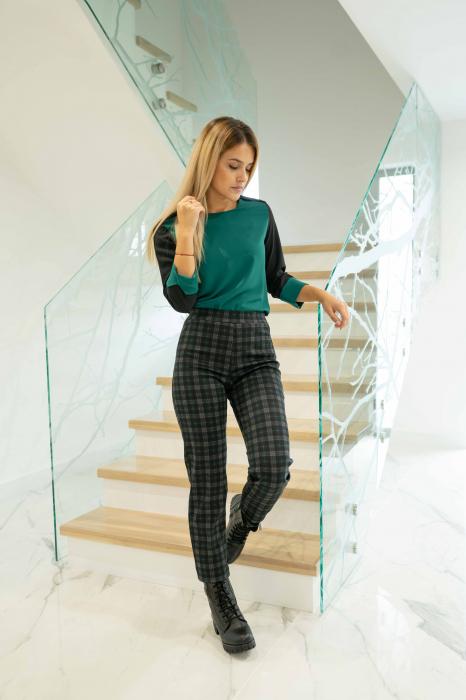 Pantaloni DOLLY de dama cadrilati 1